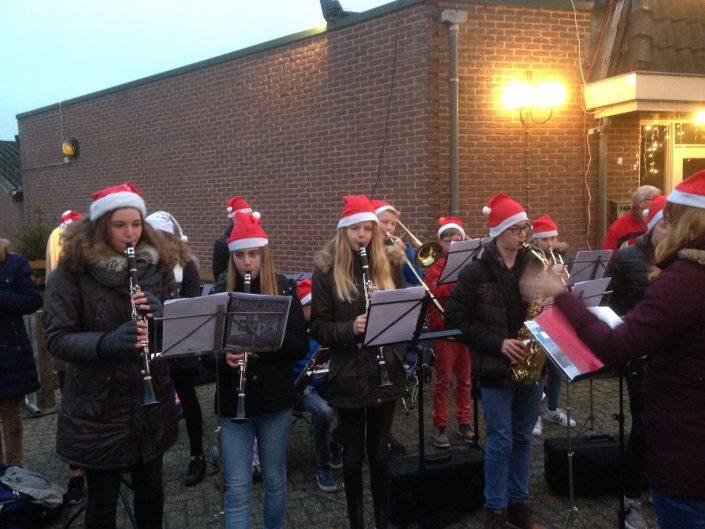 HKO Hellendoornse Harmonie speelt op kerstmarkt 2016